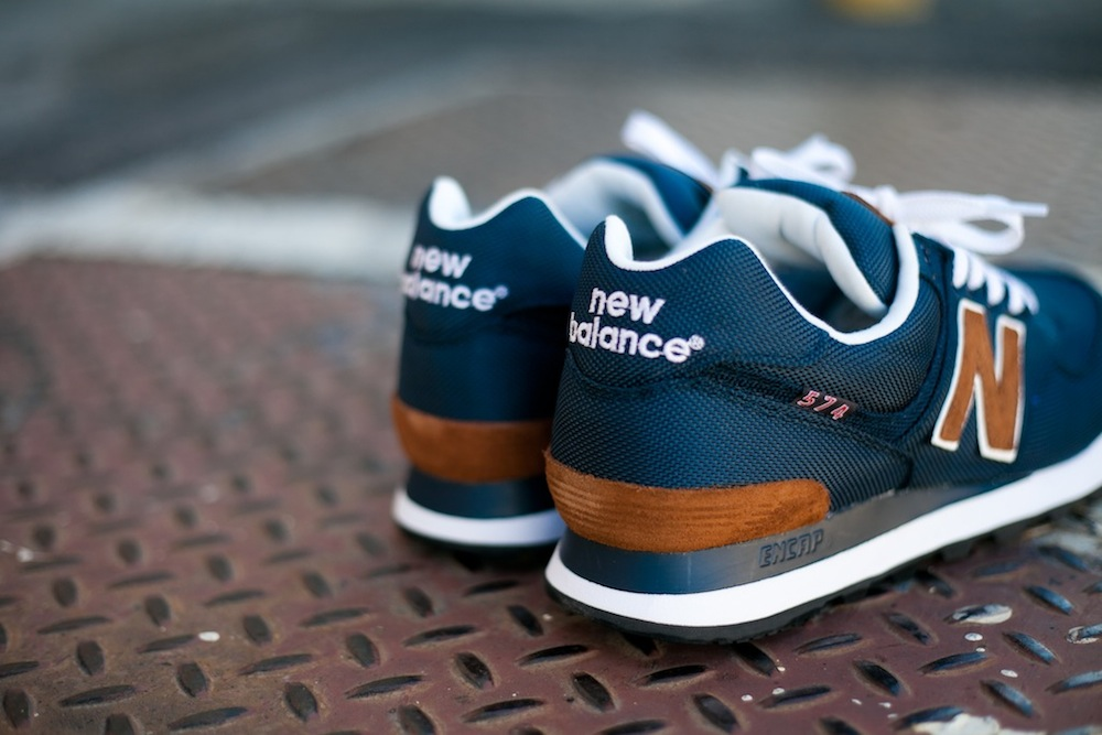 New Balance 574 Bleu Marine Et Marron